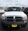 dodge dakota 2005 white pickup truck st gasoline 6 cylinders rear wheel drive automatic 07730