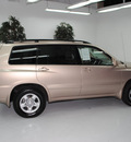 toyota highlander 2004 gold suv gasoline 4 cylinders front wheel drive automatic 91731