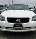 nissan altima 2006 white sedan 2 5 s gasoline 4 cylinders front wheel drive automatic 45840