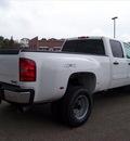 gmc sierra 3500hd 2012 white sle diesel 8 cylinders 4 wheel drive not specified 44024