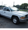 dodge dakota 1999 white pickup truck slt gasoline v8 rear wheel drive automatic 08812