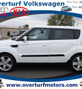kia soul 2010 white hatchback soul! gasoline 4 cylinders front wheel drive 5 speed manual 99336