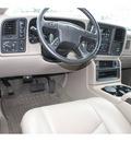 gmc sierra 2500hd 2005 white slt gasoline 8 cylinders 4 wheel drive automatic 99352