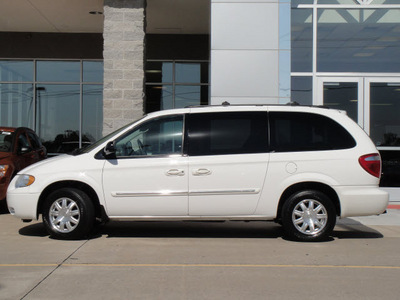 chrysler town country 2006 white van touring gasoline 6 cylinders front wheel drive automatic 62034