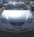 toyota solara 2004 off white coupe sle w navi gasoline 6 cylinders front wheel drive autostick 55811