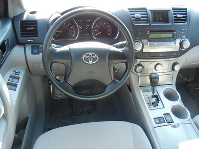 toyota highlander 2009 green suv awd gasoline 6 cylinders all whee drive automatic 55448