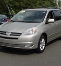 toyota sienna 2005 silver van xle limited 7 passenger gasoline 6 cylinders all whee drive automatic 06019