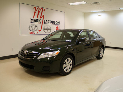 toyota camry 2010 green sedan le 4 cylinders front wheel drive automatic 27707