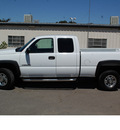 chevrolet silverado 2500hd 2006 white x cab 4x4 diesel short bed ls diesel 8 cylinders 4 wheel drive automatic 95678