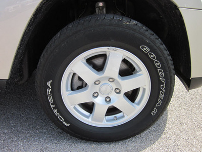 jeep grand cherokee 2008 lt  gray suv laredo 4x4 gasoline 6 cylinders 4 wheel drive autostick 62863