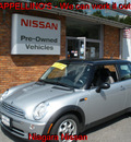 mini cooper 2005 silver hatchback gasoline 4 cylinders front wheel drive 5 speed manual 14094