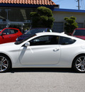 hyundai genesis coupe 2012 white coupe 2 0t gasoline 4 cylinders rear wheel drive 6 speed manual 94010