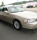 lincoln town car 2011 gold sedan siglim flex fuel 8 cylinders rear wheel drive 4 speed automatic 98032