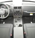 jeep liberty 2012 bright white suv laredo gasoline 6 cylinders 4 wheel drive automatic 81212