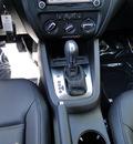 volkswagen jetta 2011 white sedan tdi le diesel 4 cylinders front wheel drive automatic 98226