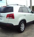 kia sorento 2012 white lx gasoline 6 cylinders front wheel drive automatic 32901