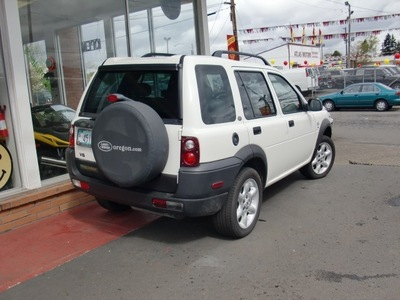 land rover freelander 2002 white suv se gasoline 6 cylinders all whee drive automatic 97216