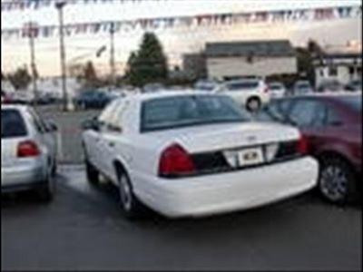ford crown victoria 2001 white sedan police interceptor 8 cylinders rear wheel drive automatic 97216
