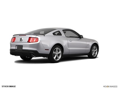 ford mustang 2012 silver coupe gasoline 8 cylinders rear wheel drive 6 speed automatic 77388
