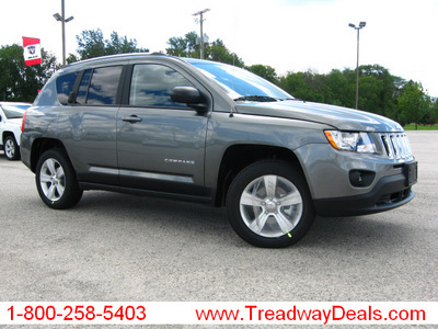 jeep compass 2011 gray suv latitude gasoline 4 cylinders 4 wheel drive automatic 45840