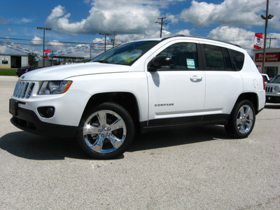 jeep compass 2011 white suv limited gasoline 4 cylinders 2 wheel drive automatic 45840