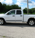 dodge ram pickup 1500 2002 white pickup truck slt gasoline 8 cylinders rear wheel drive automatic 45840