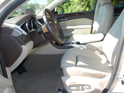 cadillac srx 2011 gold luxury collection gasoline 6 cylinders all whee drive automatic 27330