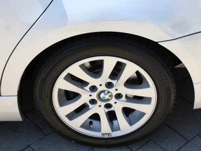 bmw 3 series 2006 silver sedan 325xi gasoline 6 cylinders all whee drive automatic 07702