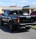 nissan frontier 2004 black xe v6 desert runner gasoline 6 cylinders rear wheel drive automatic 27591