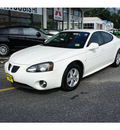 pontiac grand prix 2007 white sedan gasoline 6 cylinders front wheel drive automatic 07724