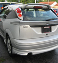 ford focus 2003 silver hatchback zx3 gasoline 4 cylinders front wheel drive 5 speed manual 45840