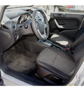 ford fiesta 2011 silver sedan se gasoline 4 cylinders front wheel drive automatic 90004