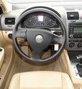 volkswagen jetta 2005 beige sedan 2 5 gasoline 5 cylinders front wheel drive automatic 98226