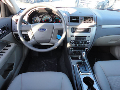 ford fusion 2012 silver sedan s gasoline 4 cylinders front wheel drive automatic with overdrive 60546