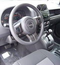 jeep compass 2011 white suv gasoline 4 cylinders 4 wheel drive not specified 44024