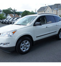 chevrolet traverse 2010 white suv ls gasoline 6 cylinders all whee drive automatic 07507