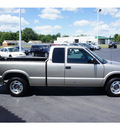 gmc sonoma 2000 gray pickup truck sls gasoline 6 cylinders rear wheel drive automatic 45344