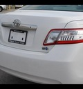 toyota camry hybrid 2011 white sedan base hybrid 4 cylinders front wheel drive cont  variable trans  46219
