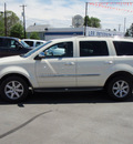 chrysler aspen 2007 white suv limited gasoline 8 cylinders 4 wheel drive 5 speed automatic 98901