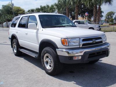 toyota 4runner 1999 white suv sr5 gasoline v6 rear wheel drive automatic 32778