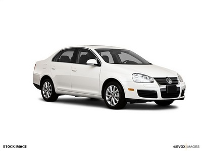 volkswagen jetta 2010 white sedan se gasoline 5 cylinders front wheel drive automatic 44060