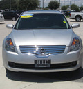 nissan altima 2009 silver sedan s gasoline 4 cylinders front wheel drive automatic 33884