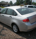 ford focus 2009 silver sedan se gasoline 4 cylinders front wheel drive automatic with overdrive 13212