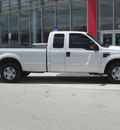 ford f 250 2010 white super duty gasoline 8 cylinders 2 wheel drive automatic 33884
