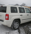jeep patriot 2008 white suv sport gasoline 4 cylinders 4 wheel drive automatic 13212