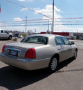 lincoln town car 2005 gray sedan signature gasoline 8 cylinders rear wheel drive automatic with overdrive 55321