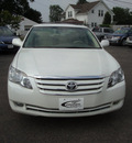 toyota avalon 2006 off white sedan xls gasoline 6 cylinders front wheel drive automatic 45324