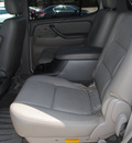 toyota sequoia 2007 white suv sr5 gasoline 8 cylinders rear wheel drive automatic with overdrive 76087