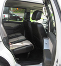 ford explorer 2008 white suv xlt gasoline 6 cylinders 4 wheel drive automatic with overdrive 13502