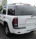 chevrolet trailblazer 2005 white suv gasoline 6 cylinders 4 wheel drive automatic 13502
